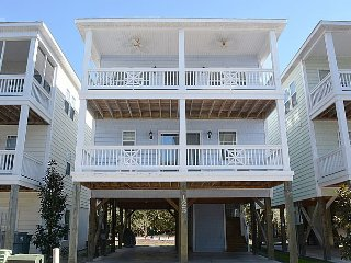 Howdy-Do - Stunning Pet Friendly home with Community Pool Access., Surf City