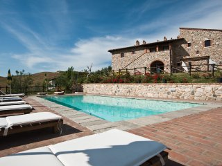 Holiday farmhouse near Volterra and San Gimignano- T