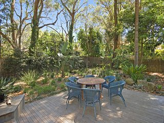 Beautifully Styled Holiday Cottage, Pearl Beach