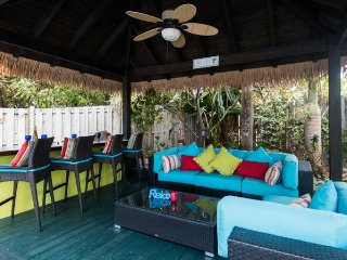 CoCo Gardens - Beautiful Caribbean Hideaway with Jacuzzi tub, cabana, pool