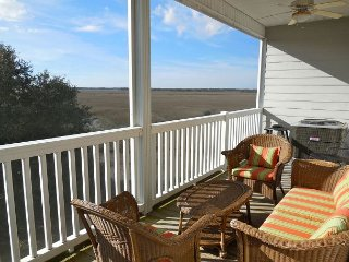 MW 2I - Enjoy beautiful marsh & sunset views in this convenient location!!