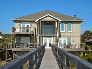 All Occasion House - Great Views from Two Oceanfront Decks, Folly Beach