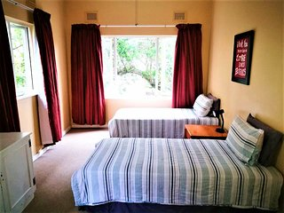 23 AMBLESIDE FLAT B&B, Port Shepstone