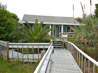 Bimini - Rustic Beach Cottage, Folly Beach