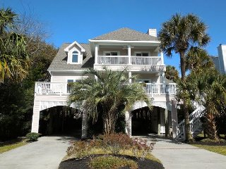 C Scape - Newly Renovated Home with Easy Beach Access, Folly Beach