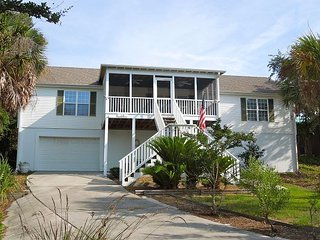 Camary - Spacious and Airy Home, Perect for Gatherings, Folly Beach