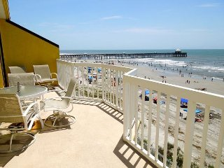 Charleston Oceanfront Villas 409- Dolphin Lovers' Retreat, Folly Beach