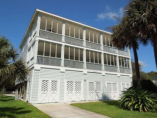 Elegant Escape - Elegance Across from the Beach, Folly Beach