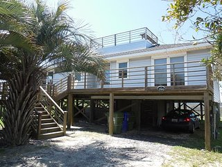 FiFi's Fabulous Folly - Near Washout with Great Views, Folly Beach