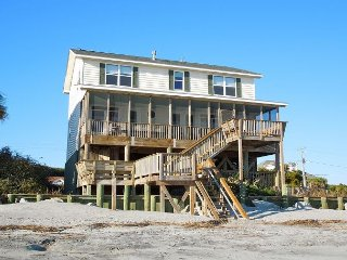 Folly 'B' Golly - Beautiful Home Near Washout, Folly Beach