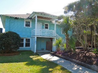 Folly Rhodes on the Beach-Full House - Oceanfront Home with Sunrise Views