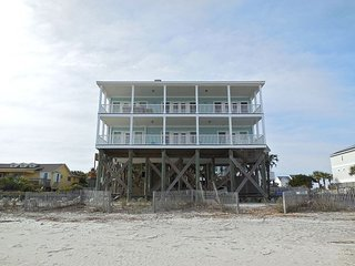 Fun 'N' Folly- Beautiful Large Home Perfect for Gathering, Folly Beach
