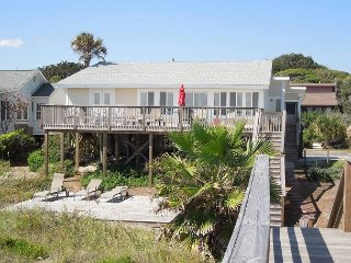 Just Beachy- Classic Oceanfront House with Large Sundeck