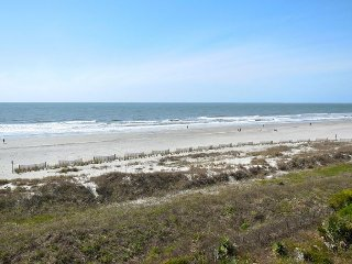Ocean Pointe Villa 301 - Penthouse Condo with Private Balcony, Folly Beach