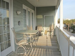 Pavilion Watch #1A - Relaxing Condo in the Heart of Folly, Folly Beach