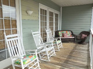Pavilion Watch #2A - Spacious Living Area and Deck with Ocean Views, Folly Beach