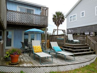 Pelican Alley - Large Yard Perfect for Pets and Children, Folly Beach