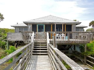 Sho-Rest - Perfect Oceanfront Home for Relaxing Outdoors, Folly Beach