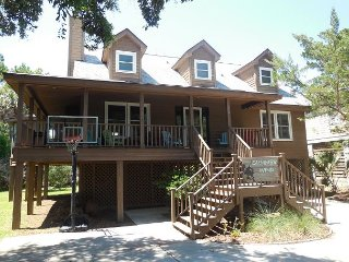 Summer Wind - 3 bedroom home just a short walk from the beach!, Folly Beach