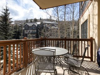 Oxford Court  202, Beaver Creek