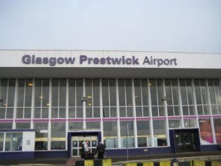 Prestwick Town Centre 2 Bed Flat walking distance to Airport and Golf Courses