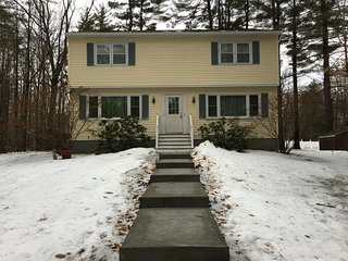 Side A 2 bedroom, 1.5 bath (near saratoga), laundry/cable tv/wifi included, Wilton