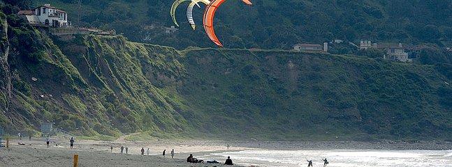 Kite surfing in Redondo