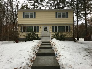 Side B 2 bedroom, 1.5 bath (near saratoga), laundry/cable tv/wifi include, Wilton