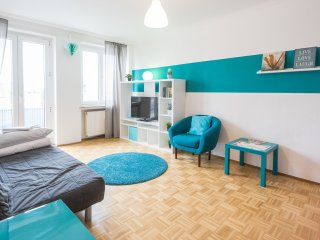 Central 2-room flat with close by Messe and Center, Frankfurt am Main