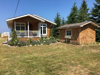 Private cottage on beautiful Lake Michigan, Mackinaw City
