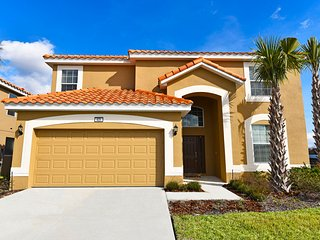 Beautiful 6 bedroom 5.5 bath home from $135nt
