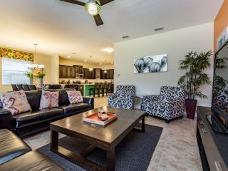 PARADISE PALMS 6BR 5Bath pool, semi-private view, gameroom, 4King beds from $213
