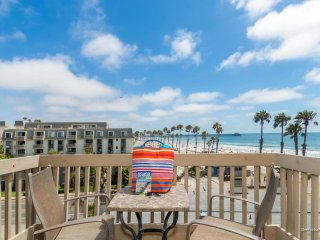 Beach Chic Condo w/ Balcony Views of the Oceanside Pier and Strand!