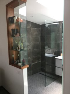 Luxury en suite contained in Honeymoon Suite.