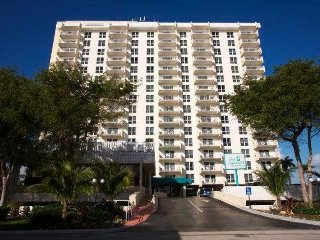 Fort Lauderdale Beach Resort - Friday, Saturday, Sunday Check Ins Only!