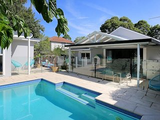 Artistic and Stunning Family Home near Manly