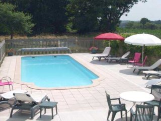 SHORTHOUSE - GITE 4 PERSONNES PISCINE CHAUFFEE