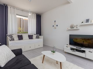Apartment Sailor`s Knot - Studio Apartment with Terrace and Partial Sea View, Dubrovnik