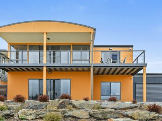 Fleurieu Beachhouse - Stylish Accommodation at Goolwa Beach
