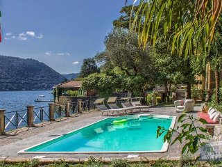Villa in Lake Como : Como Area Villa Vanessa