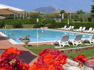 Apartment in Lake Garda : Garda / Bardolino Area Albisano Residence - 2 Bedroom, Torri del Benaco