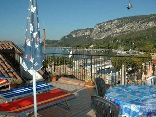 Apartment in Lake Garda : Garda / Bardolino Area Casa Gardina