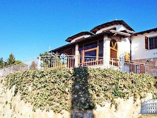 Villa in Lake Garda : Garda / Bardolino Area Villa Stupore, Torri del Benaco