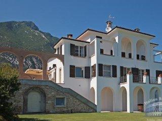 Villa in Lake Garda : Salo Area Villa Gabriele, Toscolano-Maderno