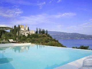 Villa in Lake Garda : Salo Area Villa Morella, Toscolano-Maderno