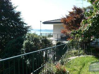 Villa in Lake Maggiore : Stresa / Lesa Area Villa Punto