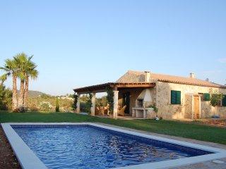 Finca Los Olivos / Naturstein Finca mit großem Pool und Sonnenterrasse, Manacor