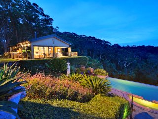 Indulgent Accommodation  - The Outlook Cabana, bet, Terrigal