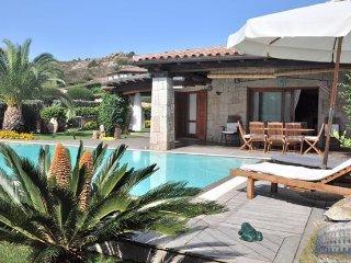 Villa in Sardinia : Costa Smeralda Area Villa Cavallo, San Teodoro