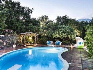 Villa in Sicily : Catania / Taormina Area Cottage Fiorello, Ragalna